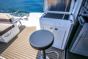 60' Cruisers Yachts 60 Cantius 2017 Cockpit grill