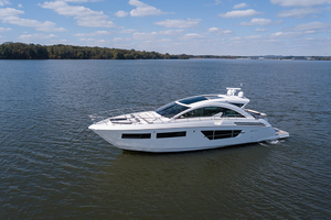 60' Cruisers Yachts 60 Cantius 2017 Port profile 3