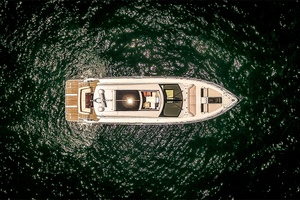 60' Cruisers Yachts 60 Cantius 2017 Top view 2