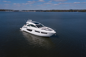 60' Cruisers Yachts 60 Cantius 2017 STBD profile 2