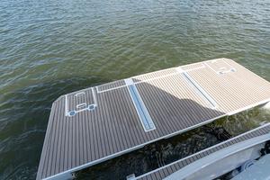 60' Cruisers Yachts 60 Cantius 2017 Swim platform 2