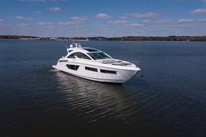 60' Cruisers Yachts 60 Cantius 2017 STBD bow profile 2