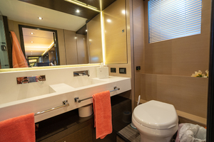 60' Cruisers Yachts 60 Cantius 2017 Vanity in the master head