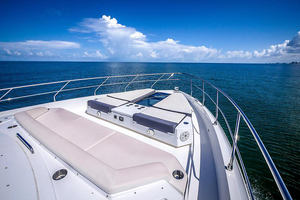 60' Cruisers Yachts 60 Cantius 2017 Bow view 3