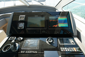 60' Cruisers Yachts 60 Cantius 2017 Helm dashboard