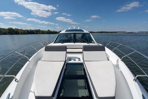 60' Cruisers Yachts 60 Cantius 2017 Sun pads