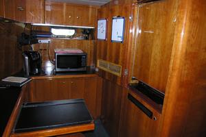 82' Horizon Flybridge Motor Yacht 2001 Crew Area