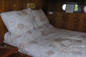 82' Horizon Flybridge Motor Yacht 2001 Captain