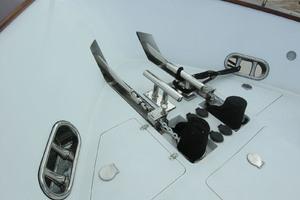 82' Horizon Flybridge Motor Yacht 2001 Dual Anchors & Windlass