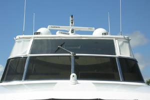 82' Horizon Flybridge Motor Yacht 2001 Windshield on Flybridge