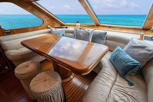 82' Horizon Flybridge Motor Yacht 2001 Dinette