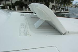 82' Horizon Flybridge Motor Yacht 2001 Sundeck Back Rest Up or Down