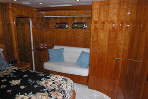 82' Horizon Flybridge Motor Yacht 2001 Master Stateroom Port Side