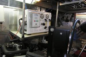 82' Horizon Flybridge Motor Yacht 2001 Water Maker