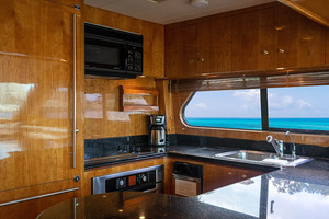 82' Horizon Flybridge Motor Yacht 2001 Galley