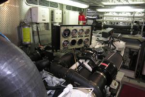 82' Horizon Flybridge Motor Yacht 2001 Port Engine