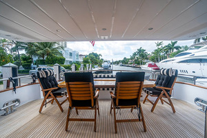 82' Horizon Flybridge Motor Yacht 2001 Aft Deck
