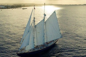 100' Custom Grand Banks Schooner 2014