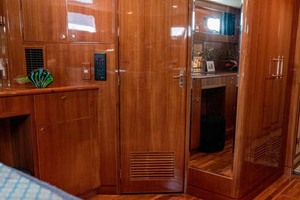 61' Jefferson 61 Marquessa 2001 Master Stateroom Forward Walk In Closet