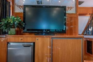 61' Jefferson 61 Marquessa 2001 TV, Two Freezers