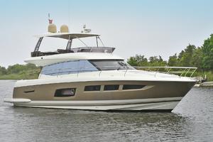 55' Prestige 550 Flybridge 2016 Starboard Bow