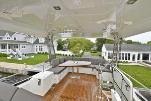 55' Prestige 550 Flybridge 2016 Flybridge Seating