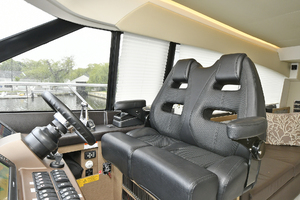 55' Prestige 550 Flybridge 2016 Lower Helm Station