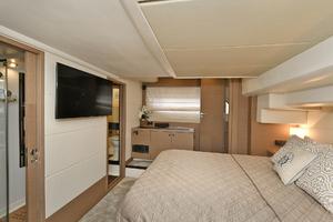 55' Prestige 550 Flybridge 2016 Master Stateroom
