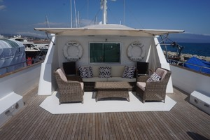 100' Porsius  1985 Upper Deck Seating
