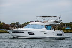 55' Prestige 550 Fly 2014 Main Image is of