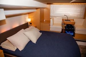 55' Prestige 550 Flybridge 2014 Master Stateroom