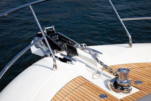 55' Prestige 550 Flybridge 2014 Windlass