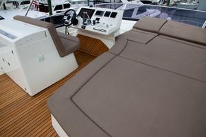 55' Prestige 550 Flybridge 2014 Flybridge