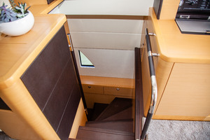55' Prestige 550 Fly 2014 Entry to Master Suite
