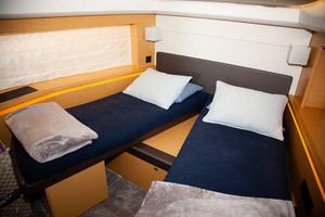 55' Prestige 550 Flybridge 2014 VIP Stateroom