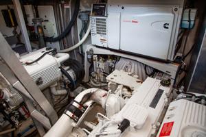 55' Prestige 550 Flybridge 2014 Engine Room