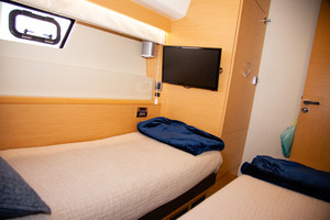 55' Prestige 550 Fly 2014 Guest Stateroom