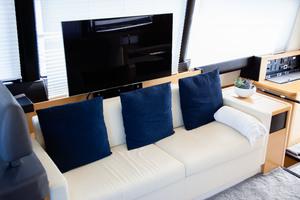 55' Prestige 550 Flybridge 2014 Salon