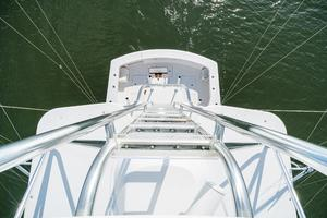60' Hatteras 60 Gt 2008 Cockpit from Tower