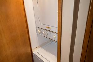 60' Hatteras 60 Gt 2008 Washer/Dryer