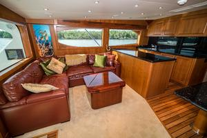 60' Hatteras 60 Gt 2008 Sofa to Port