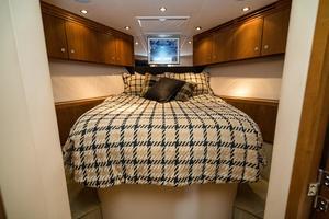 60' Hatteras 60 Gt 2008 VIP Stateroom Fwd