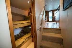 60' Hatteras 60 Gt 2008 Guest Stateroom to Port