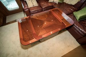 60' Hatteras 60 Gt 2008 Expandable Table