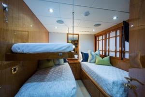 96' Hargrave Skylounge 2005 Guest Stateroom with Pullman - Mid port