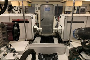 65' Pacific Mariner 65s 2000 Engine Room Aft View