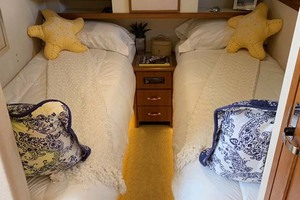 65' Pacific Mariner 65s 2000 Guest Twin Stateroom