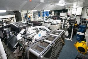 98' Mcp Europa 2008 Engine Room