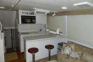 52' Hatteras 52 Sport Fisherman 1998 Galley