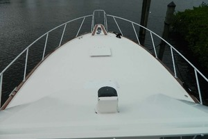 52' Hatteras 52 Sport Fisherman 1998 Bow